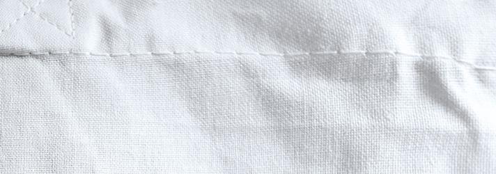 Sacs en tissu particulièrement solides grâce à des coutures résistantes à la déchirure